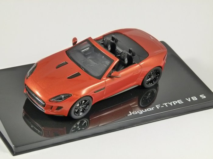 JAGUAR F TYPE V8 S Convertible in Firesand 1/43 scale model by IXO