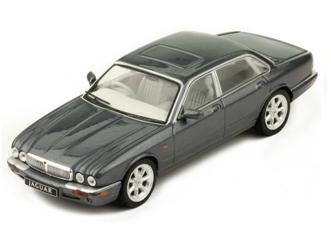 1998 JAGUAR XJ8 (X308) in Grey 1/43 scale model by IXO