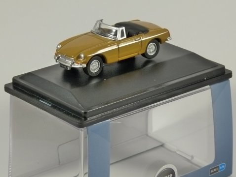 MGB ROADSTER in Bronze Yellow 1/76 scale model OXFORD DIECAST