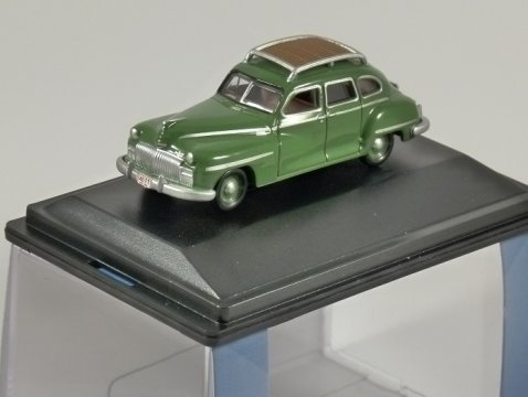 1946 - 48 DESOTO SUBURBAN in Green 1/87 scale model OXFORD DIECAST