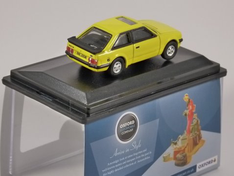 FORD ESCORT XR3i in Prarie Yellow 1/76 scale model OXFORD DIECAST