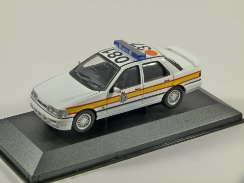 FORD SIERRA SAPPHIRE RS COSWORTH Sussex Police 1/43 scale model CORGI Vanguards