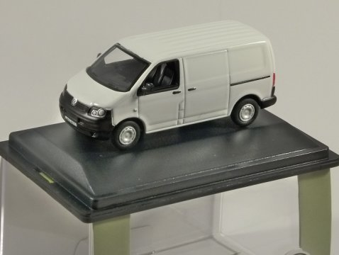 VOLKSWAGEN T5 Van in White - 1/76 scale model OXFORD DIECAST