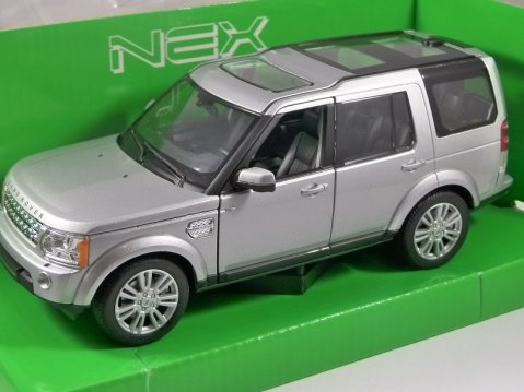 LAND ROVER DISCOVERY 4 in Silver 1/24 scale model by WELLY