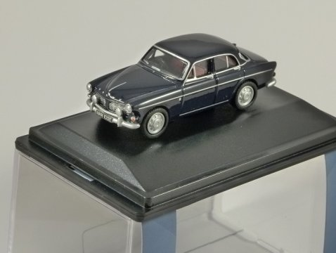 VOLVO AMAZON in Dark Blue - 1/76 scale model OXFORD DIECAST