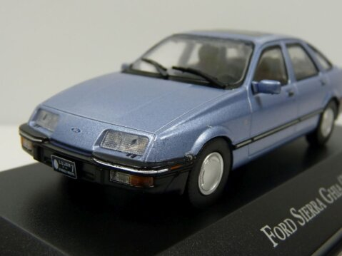 1984 FORD SIERRA GHIA in Blue 1/43 scale partwork model