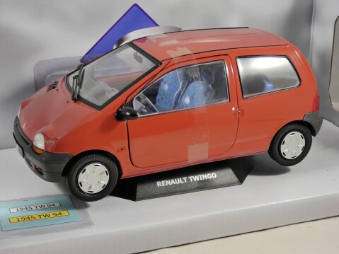 1993 RENAULT TWINGO Mk1 in Corail Red 1/18 scale model by Solido