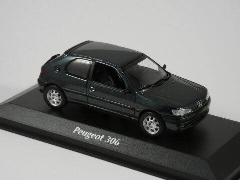 Model - 1998 Peugeot 306 3dr in Metallic Green Scale - 1/43 (approx 10cm) Manufacturer - Maxichamps Packaging - Brand new and boxed Details - Brand new, superbly detailed by Maxichamps