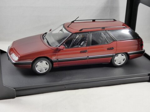 CITROEN XM V6 ESTATE in Dark Red 1/24 scale model by Whitebox