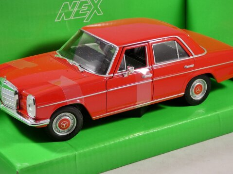 MERCEDES BENZ 220 in Red 1/24 scale model by WELLY
