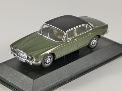 JAGUAR XJ12 Series 2 LWB in Green 1/43 scale model by Corgi / Vanguards