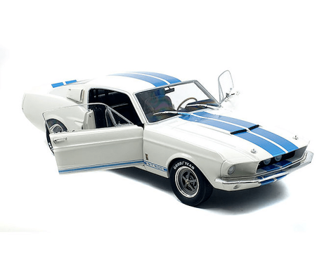 SHELBY FORD MUSTANG GT500 in White 1/18 scale model by SOLIDO