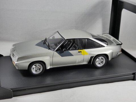 1981 OPEL MANTA B400 in Silver 1/24 scale model by Whitebox