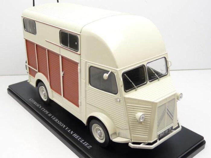 CITROEN H VAN HEULIEZ Horsebox 1/24 scale partwork model